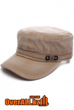 Бежевая кепка в стиле милитари