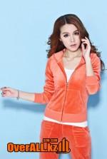 Оранжевый велюровый костюм